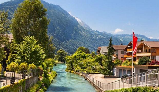 Les canadiens de plus en plus nombreux à voyager en Suisse