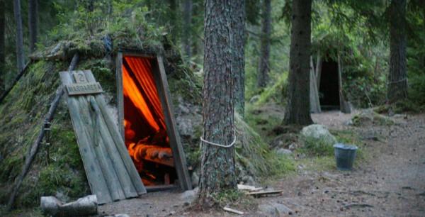 dormir dans une petite cabane en bois sans electricite