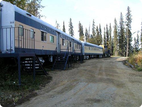 dormir dans un vieux train en alaska
