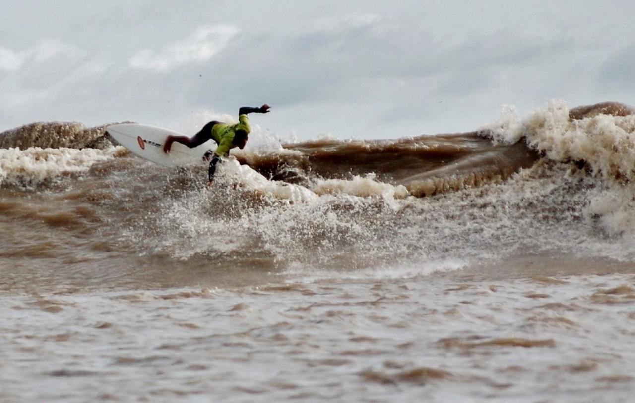 les meilleurs destination surf au bresil en riviere