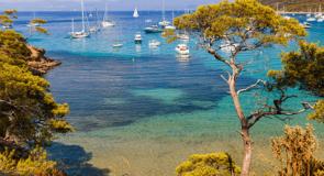 La France dévoile son plan de reprise du secteur touristique