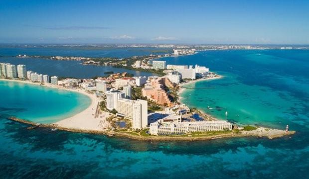 Cancun enregistre plus de 400 000 arrivées de touristes américains en mars