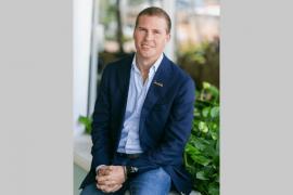 Adam Stewart nommé nouveau président exécutif de Sandals, VAC rend hommage à son père