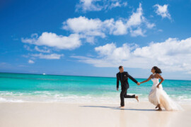 « Il y a du changement dans l'air » : Les mariages à destination connaissent un certain essor, selon la Destination Wedding & Honeymoon Specialists Association