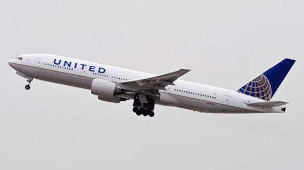 [INSOLITE] Des passagers demandent 5 millions de dollars suite à l'explosion d'un réacteur de United Airlines