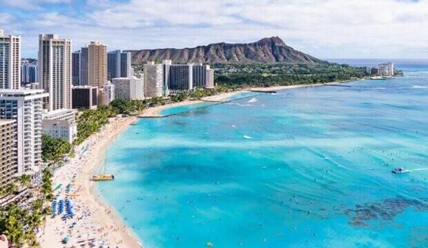 """Comment se passe un voyage à Hawaï en ce moment? """"Les hôtels et les locations de voitures affichent complet"""" raconte Travelweek"""