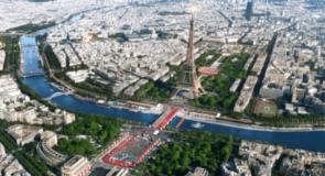 La flamme olympique est remise à la France en vue de Paris 2024