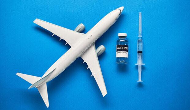 Voici ce qu'il en est de la vaccination obligatoire pour Air Canada, WestJet, Transat et d'autres compagnies