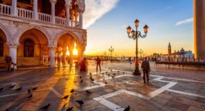 Un droit d'entrée et des réservations à l'avance pour visiter Venise pourraient être mis en place d'ici l'été 2022